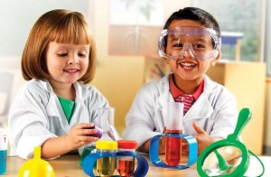 Helps-for-Getting-Your-Kids-Interested-in-Science-Naturally