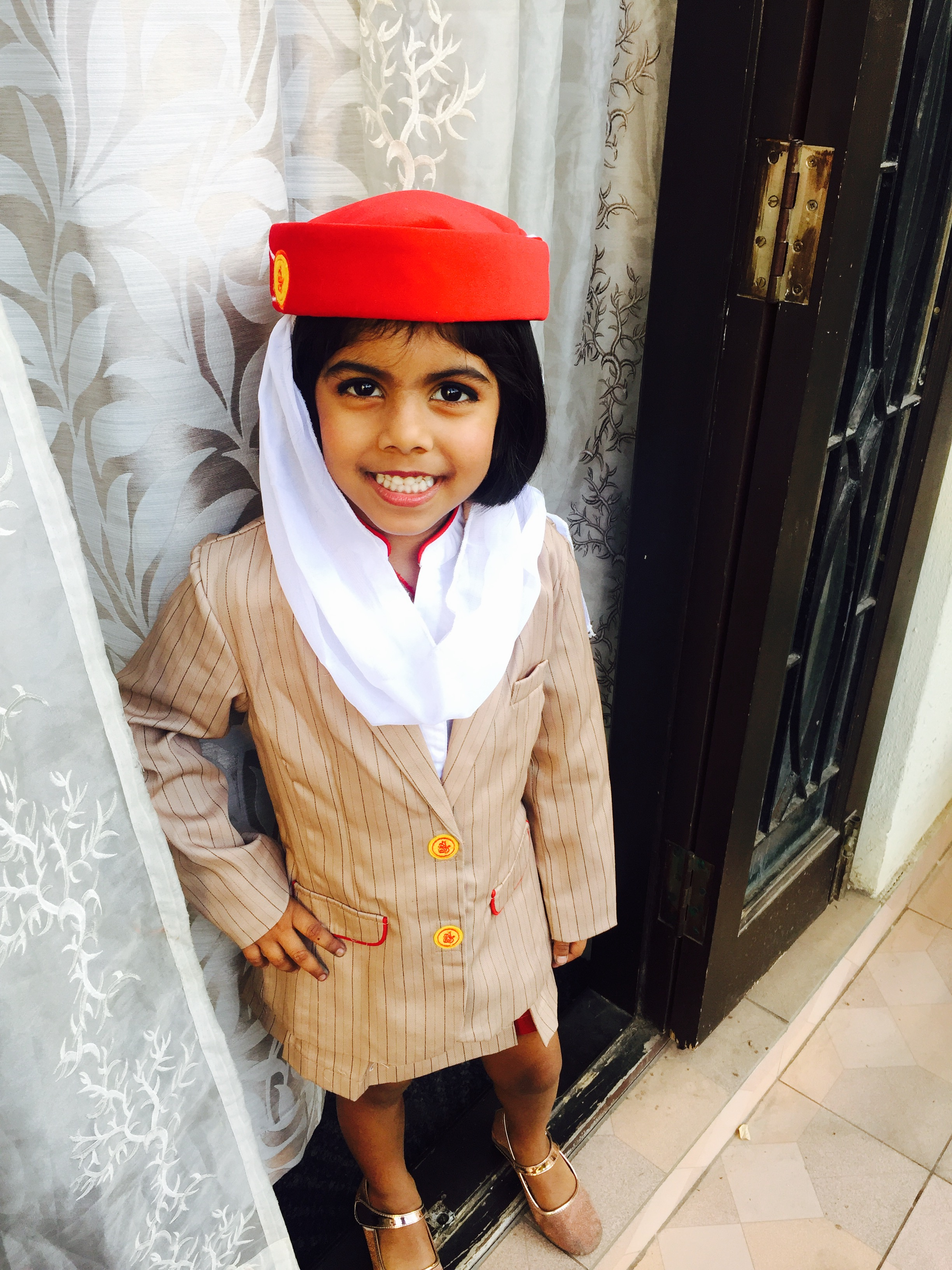 f67abd54829 Emirates Cabin Crew and Pilot Uniform for Kids | MommyswallMommyswall
